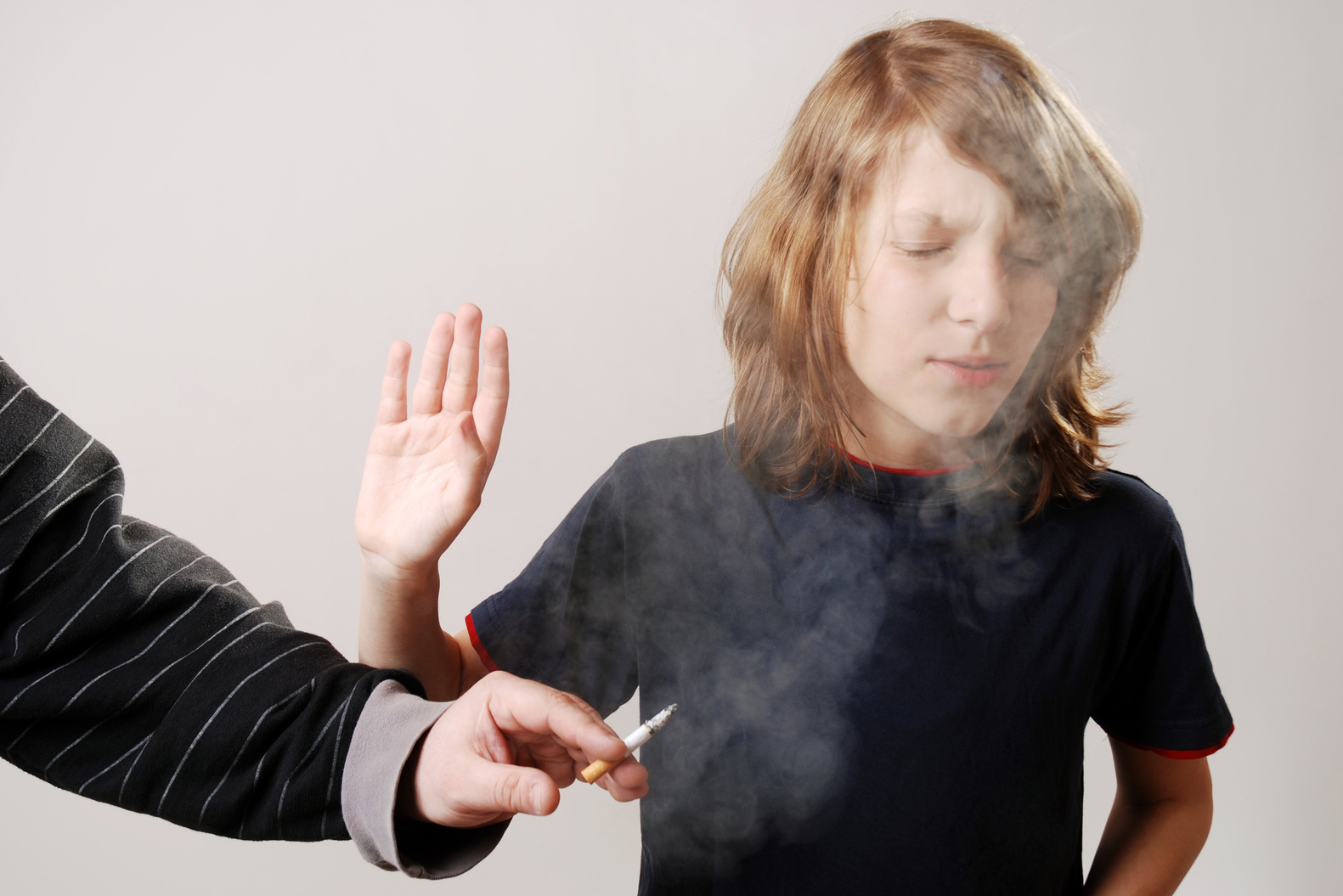 secondhand smoking is dangerous to your health Tobacco smoke is incredibly harmful to your health there's no safe way to smoke replacing your cigarette with a cigar, pipe, or hookah won't help you avoid the health risks.