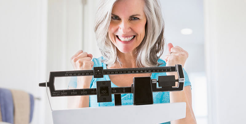 1 - 2 pounds a week is the advised weight loss. Although we all have seen  some TV shows demonstrating the contestants who lose 20 pounds a week. To lose  1 ...