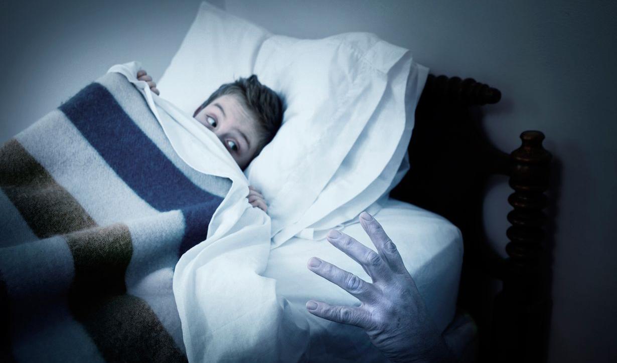 Умерший отец во сне имеет несколько неоднозначных толкований.